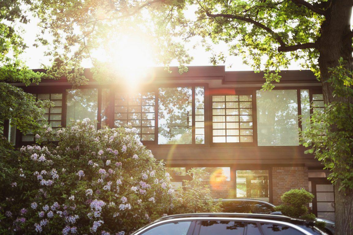 maison BEPOS ouvertures sud soleil