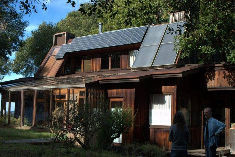 produire de l'électricité avec des panneaux solaires photovoltaïques et thermiques