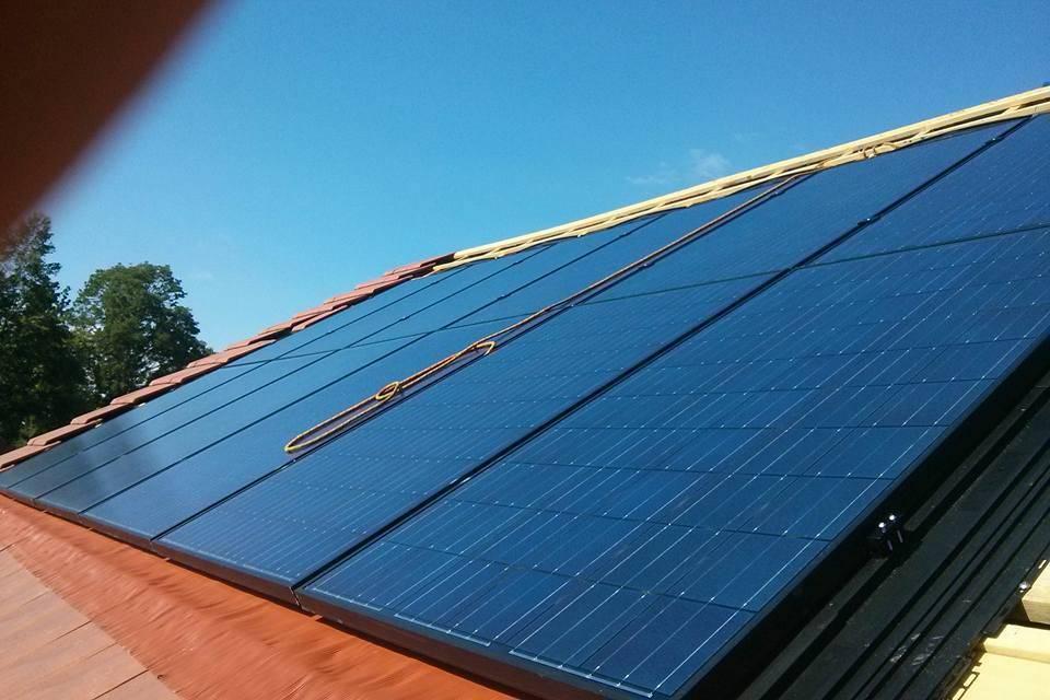 Panneaux solaires aérovoltaïques aides subventions crédits impot