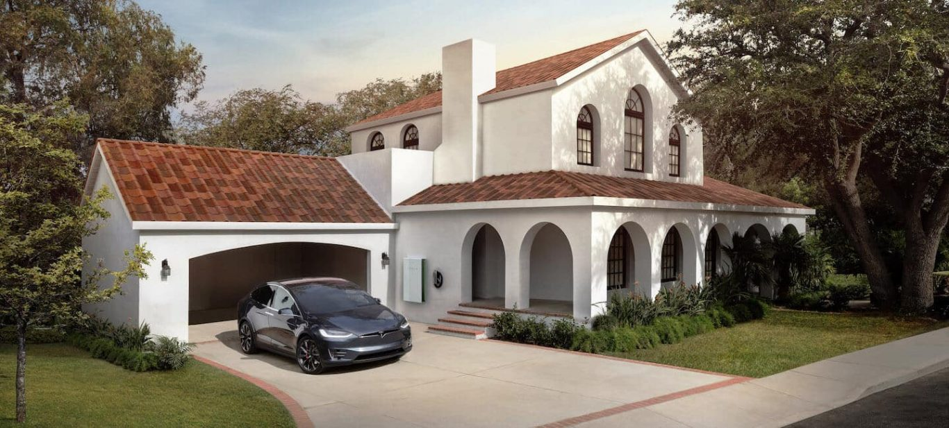 Tuiles photovoltaïques solaires Tesla Toscan Maison