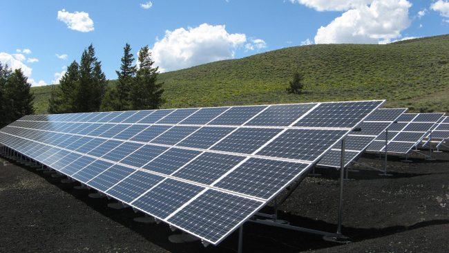 panneau solaire au sol alternative à l'intégration sur toiture
