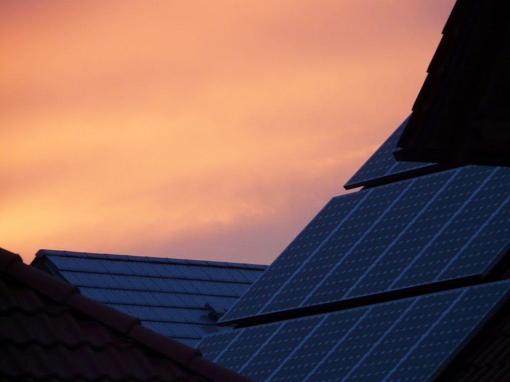 panneaux solaires en surimposition
