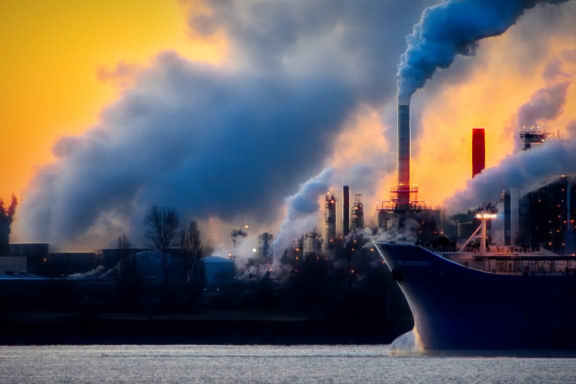 pollution CO2 et particules fines affectent les rendements des panneaux solaires
