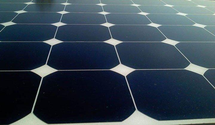 Comparaison panneau photovoltaique au metre carre