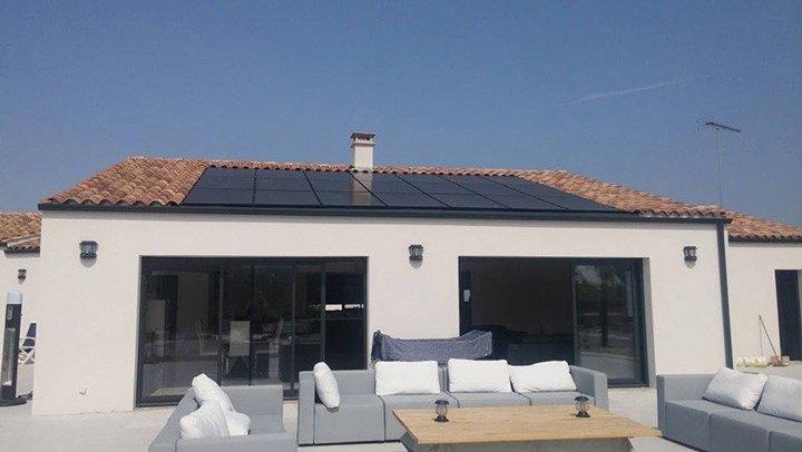 Installation photovoltaïque en autoconsommation sur maison bénéficiant des aides de l'État