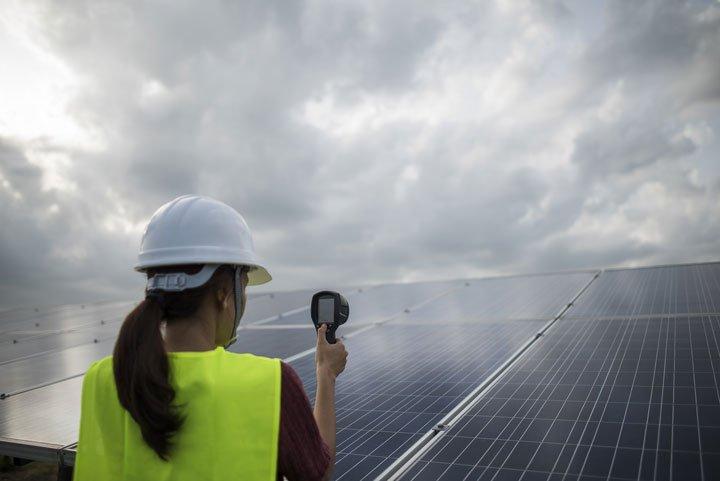 Construction parc solaire photovoltaïque au sol