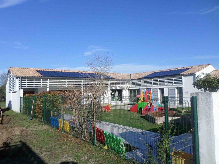 installation panneaux solaires école intégration au bati IAB