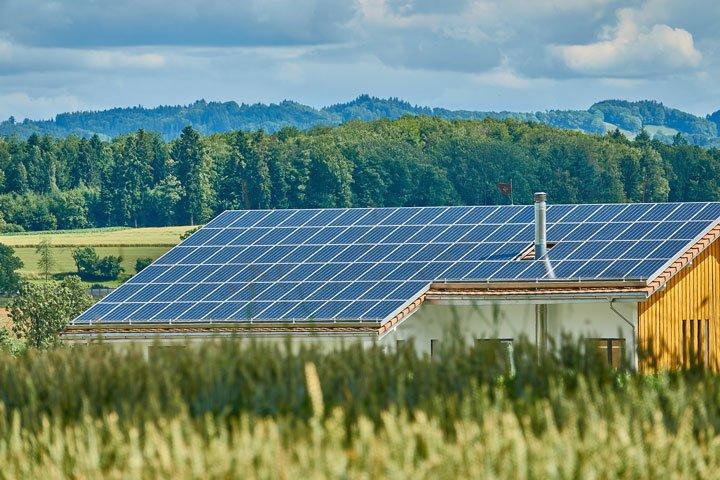 hangar photovoltaïque agricole panneaux solaires