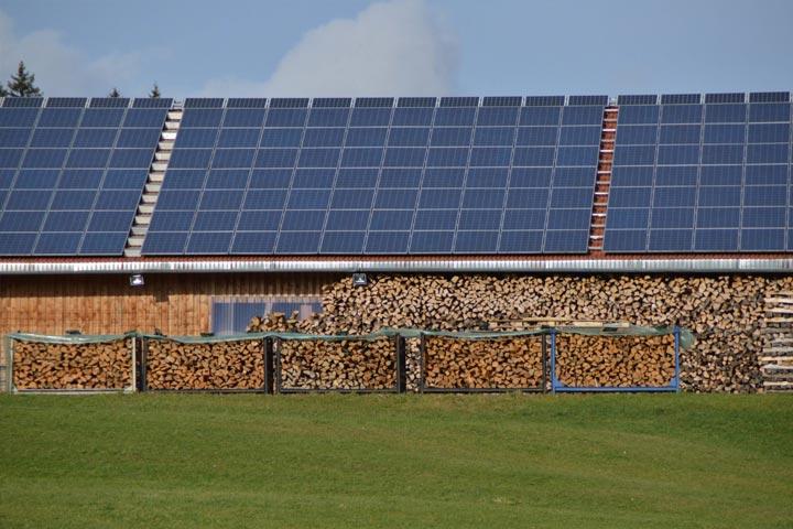 hangar photovoltaique d'une puissance supérieure à 100 kWc bénéficiant nouveau plan solaire 2020