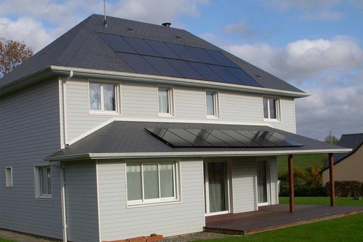 Installation de panneaux solaires photovoltaïques éligible à la prime à l'autoconsommation