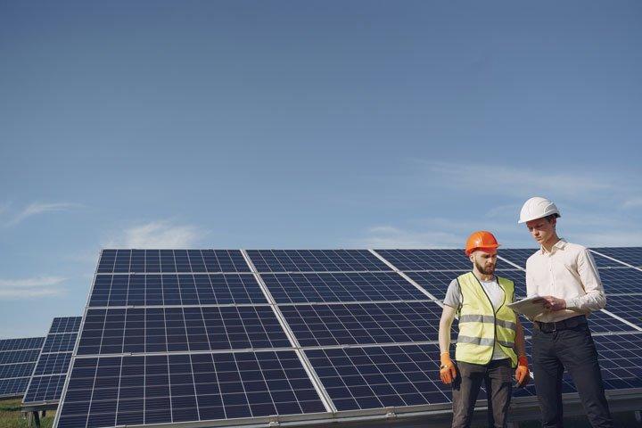 audit d'une installation de panneaux solaires photovoltaIques