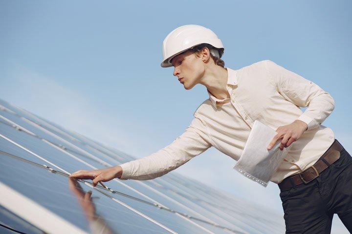 controle qualité des panneaux solaires photovoltaiques