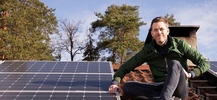 Pose panneau photovoltaique en autoconsommation sur toiture d'une maison de 100m²