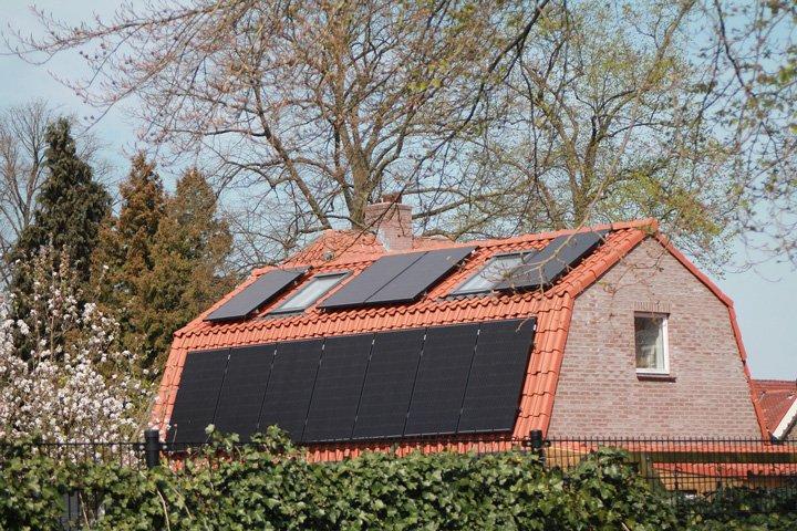panneaux solaires avec plusieurs inclinaisons