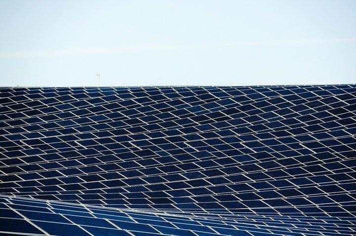 parc de panneaux solaires photovoltaïques