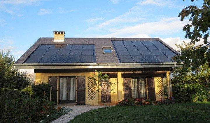 Installation photovoltaïque avec micro-onduleur sur toiture légèrement ombragée